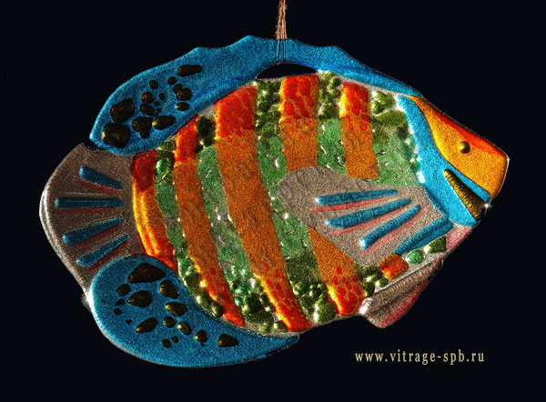 Fish. Sintering of colored glass. Fusing.